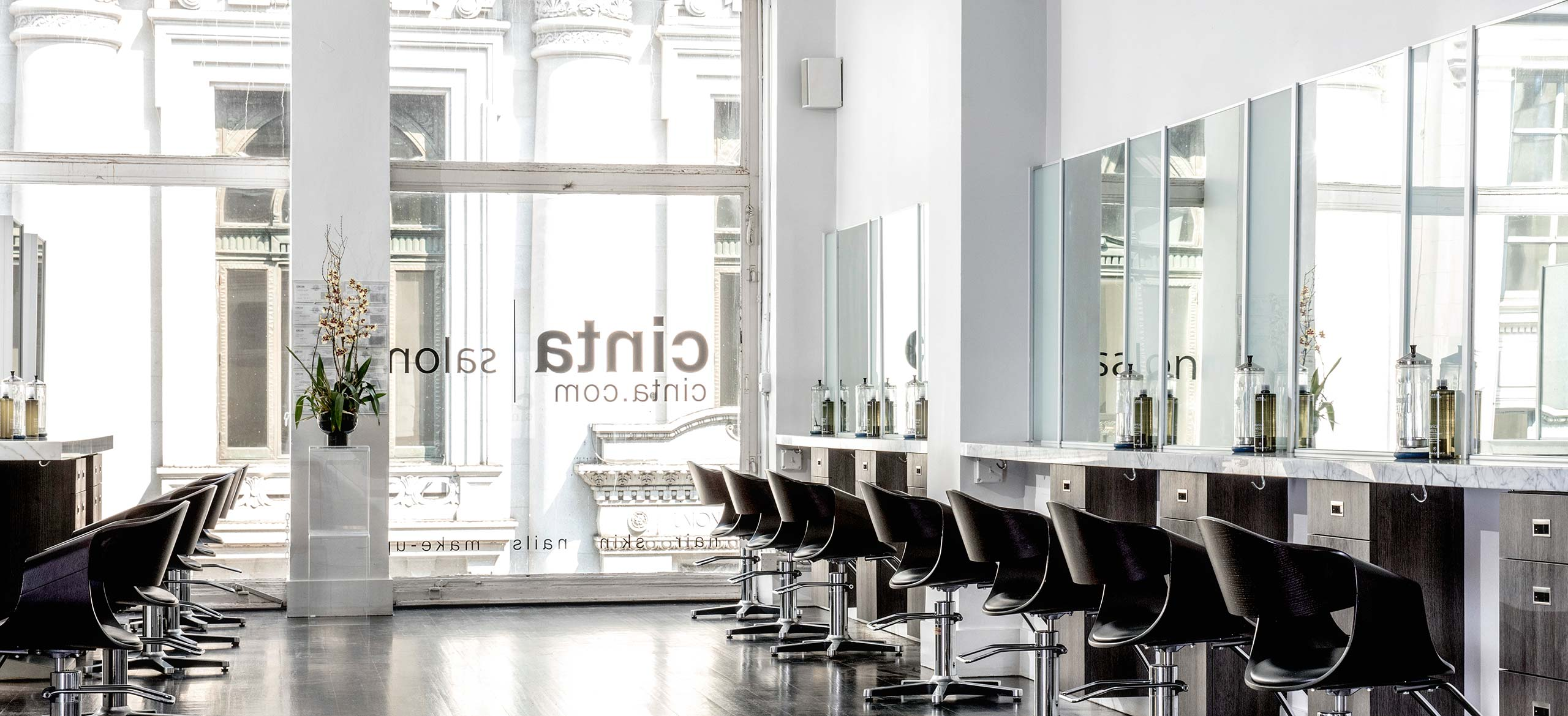 Cinta Salon - Row of Stations and Window